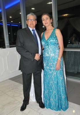 Héctor Robles y Lourdes Villela de Robles