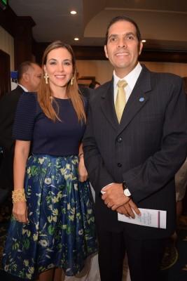 Kathia Yacaman y Sergio Guevara