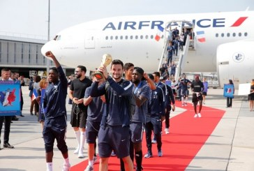 El recibimiento de los campeón del mundo a su llegada a Francia (+ fotos)
