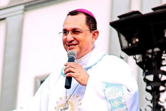 Papa Francisco acepta renuncia de obispo Juan José Pineda Fasquelle por abusos