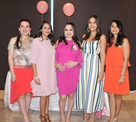 Nora Bueso, Andrea de Pineda, Daniela Castro de Hernández, Faria de Sagastume y Daidri Santos