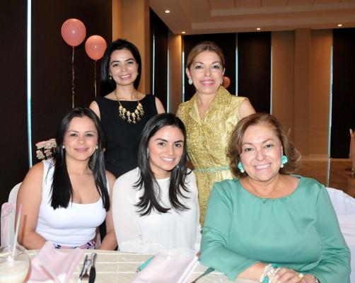Rina Florencia Castro, doña Ana Dunaway de Castro, Beatriz Castro, Cecilia Castro de López y Rina Barahona