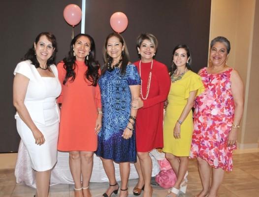 Sandra Alvarado, Mavis Aragón, Sonia Paz, Karen Handal, Michelle Montoya de Hernández y Odalma Hernández