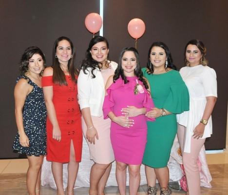 Sheryl Dunaway de Acosta, Victoria Romero, Andrea Naranjo, Daniela Castro de Hernández, Grace Zablah y Krizia Umaña.
