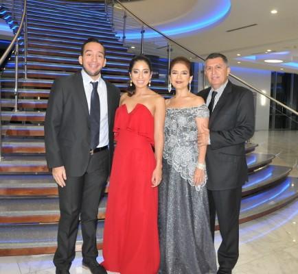 Tulio Chinchilla Jr., Alejandra Chinchilla, Rina y Tulio Chinchilla