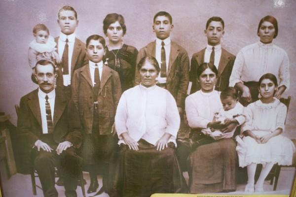 Una foto del recuerdo de Don Domingo Larach quien llegó a San Pedro Sula en 1890 iniciando en la tercera avenida un negocio, allí comenzó todo el engranaje empresarial de la familia Larach