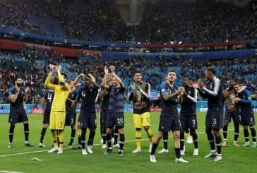 Francia vuelve a la final del Mundial 20 años después, al derrotar a Bélgica 1-0 con un golazo de Umtiti