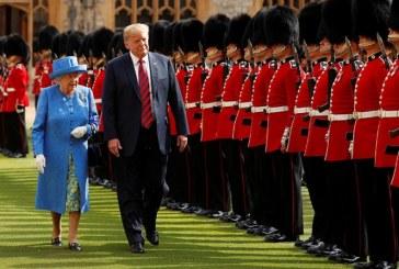 Trump se reúne en el castillo de Windsor con la reina Isabel II de Inglaterra