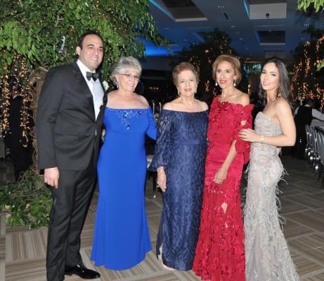 Alberto Dumas, Martha Jacaman, Alicia Canahuati, Elizabeth Dumas y Gissel de Dumas