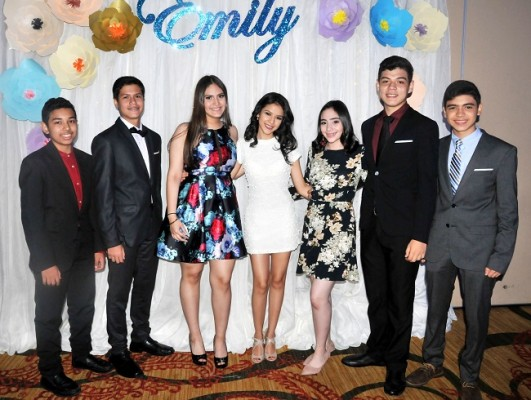 Alejandro Andino, Rafael Zuniga, Gennevi Becker, Marcela Palma, Irene Aguero, Everton Flores y Rafael Padilla
