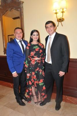 Allan Urbina, Paola Pacheco y Elvis Fernández