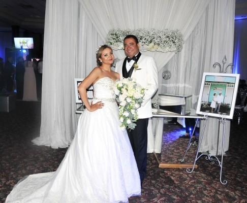 Reyna Pinel y Danilo Ponce brillaron con luz propia en su mágica noche de bodas. Residirán en Virginia, EEUU