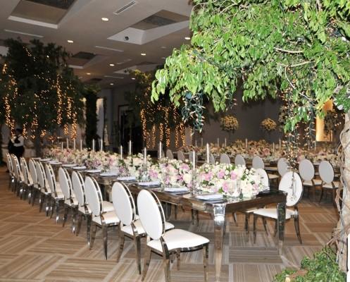 La perfecta distribución de espacios en el recinto de celebración y por supuesto, cada detalle, fue obra de la talentosa Susana Prieto, tía de la novia.