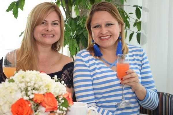 Iris Paz y Laura Recinos