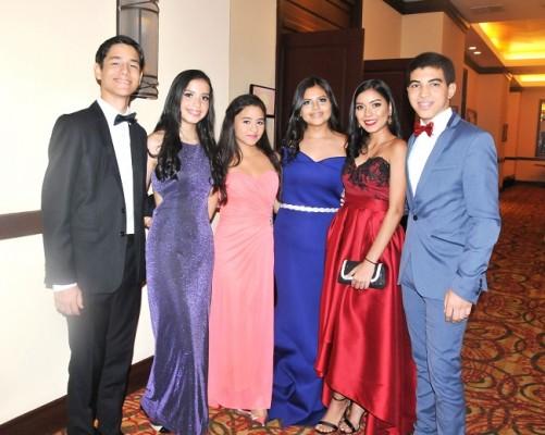 Isaac Panesso, María Fernanda Meraz, Katherine Estrada, Nicole Ruíz, Karla Villalta y René Rivera.
