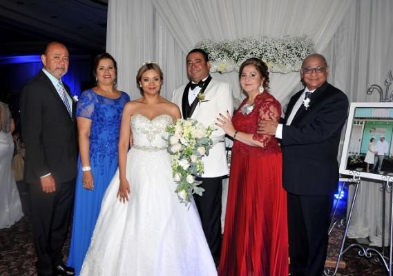 Javier Pinel, Ingrid Pinel, Reyna Pinel, Danilo Ponce, Xiomara de Pinel y Rómulo Pinel, padrinos de boda