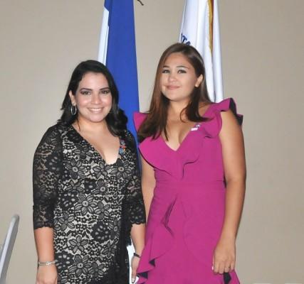 La presidente entrada del Club Rotaract Merendón, Melissa Chavarría y la Past President, Alejandra Fajardo.