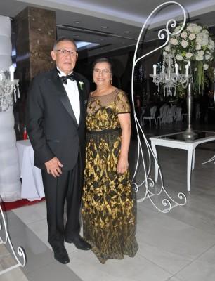 Los padres de la novia Carlos Imendia e Isabel Borja de Imendia
