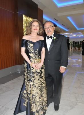 Los padres del novio Osmin y Sarita Saad de Rivera