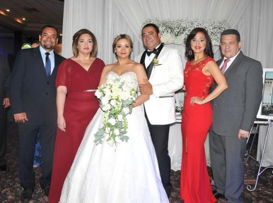 Luis y Soledad Velásquez, Reyna Pinel, Danilo Ponce, Waleska de Aguilar y Lester Aguilar