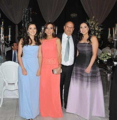 Mariangela Larach, Diana, Roger y Mireya Larach
