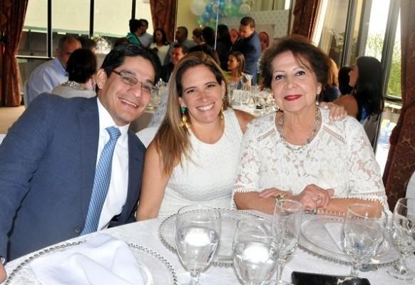 Mauricio Wagui, Francis de Wagui y Marlene Montalván