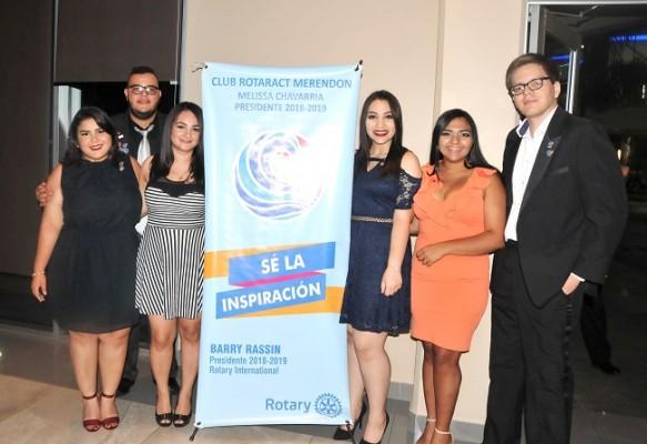 Mireny Chavarría, Ramiro Puerto, Xochitl Zelaya, Valerie Moncada, Ana Quiroz y Francisco Bográn