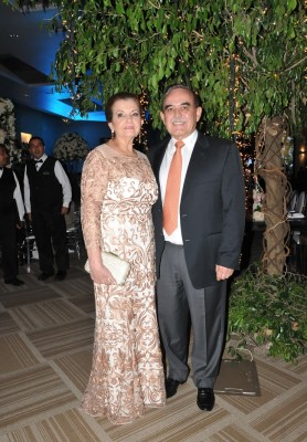 Miriam de Bendaña y Arturo Bendaña