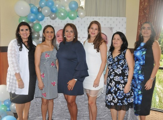 Patricia Handal, Nancy Gutiérrez, Diana Cardona de Caraccioli, Doris de Diday, Susy Chamorro e Ivone de Icaza