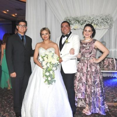 Rómulo Pinel Jr., Reyna Pinel, Danilo Ponce y Diana Pinel.