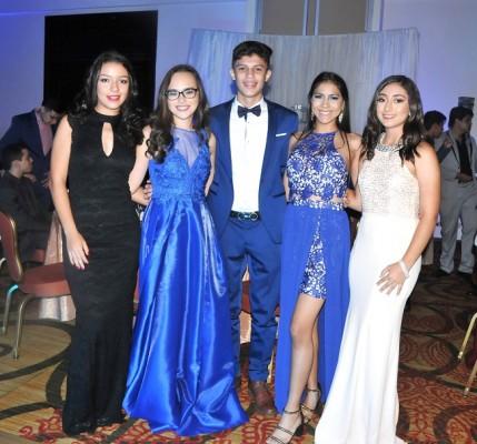 Sofía Sarmiento, Ana Chávez, Joseph Constant, Ashley Hernández y Marcela Recinos.