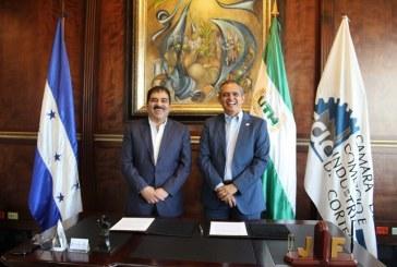 CCIC y UTH suscriben convenio de cooperación