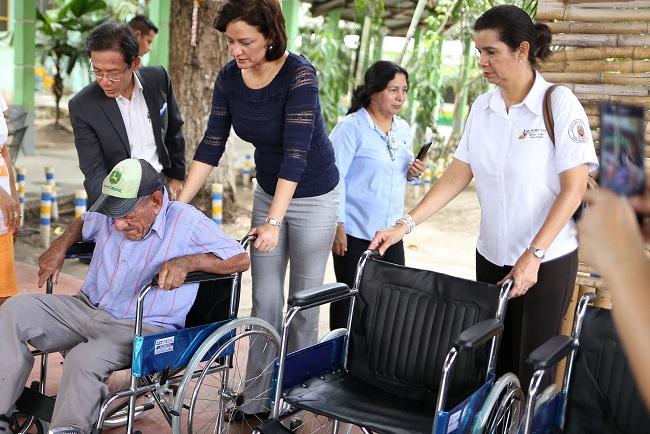 Entregan sillas de rueda a macros distritos de salud y Casa Hogar Perpetuo Socorro