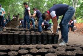"""Estudiantes aprenden a preservar el medio ambiente mediante el programa """"Soy responsable del cambio climático"""""""