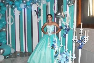 María Alejandra y su fiesta de 15 años con toques fashionistas