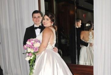 """La boda de María Gabriela y David…un """"Sí, quiero"""" con el primer amor"""
