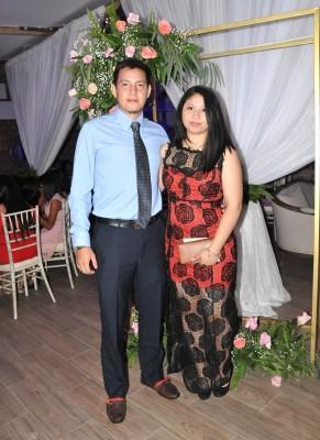 Roberto Cáceres y Paola Lobo