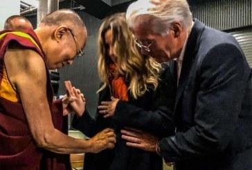 """Richard Gere volverá a ser padre a los 69 años con la """"bendición"""" del Dalai Lama"""