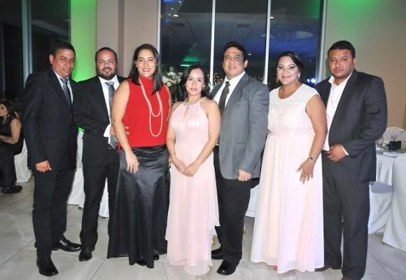 Antonio Agurcia, Mario Bulnes, Michelle Cruz, Francis de Alvarado, Gerardo Alvarado, Jessy y Mario Ruíz