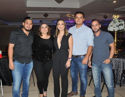 Carlos Bardales, Reina Paz, Pamela Mejía Triminio, Antony Sauceda y Fernando Diaz