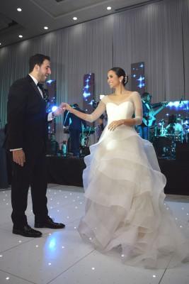 Carlos Kattán y Rozeana Fonseca bailaron su primer vals como esposos