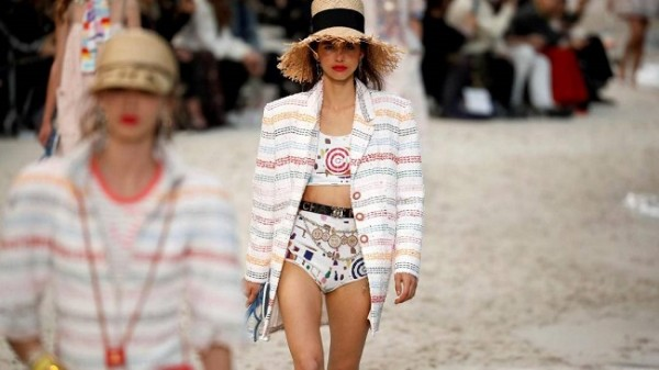 Chanel lleva la playa a París 10