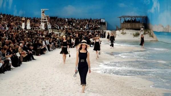 Chanel lleva la playa a París 3