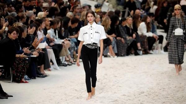 Chanel lleva la playa a París 5