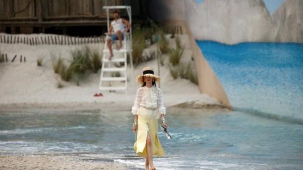 Chanel lleva la playa a París 7