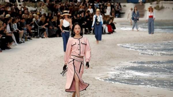 Chanel lleva la playa a París 8