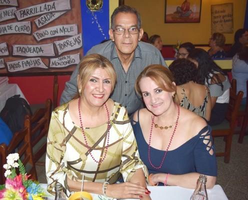 Celebrando en Jalapeños SPS