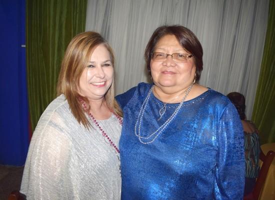 La amistades de doña Antonieta Escobar, compartieron con ella la celebración del 25 aniversario de Jalapeños.