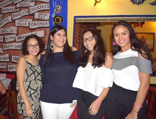 Celebrando el 25 aniversario de Jalapeños