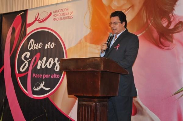 Mario Canahuati, presidente de la AHM, durante su participación en el evento.